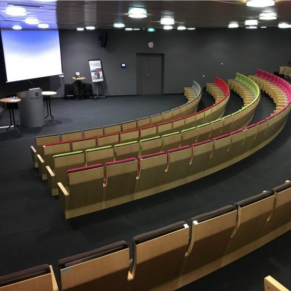 Auditorium vanuit hoek