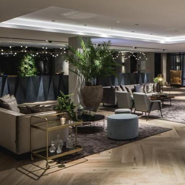 Van der Valk Hotel Assen lobby
