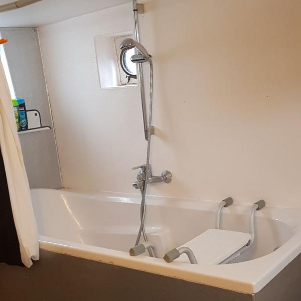 Het Vergaderschip badkamer_01